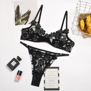 2021 Fashion New Women  Clothing Embroidery Flower Mesh See-through Heavy Craft Underwear Set with Steel Ring - Black - Large